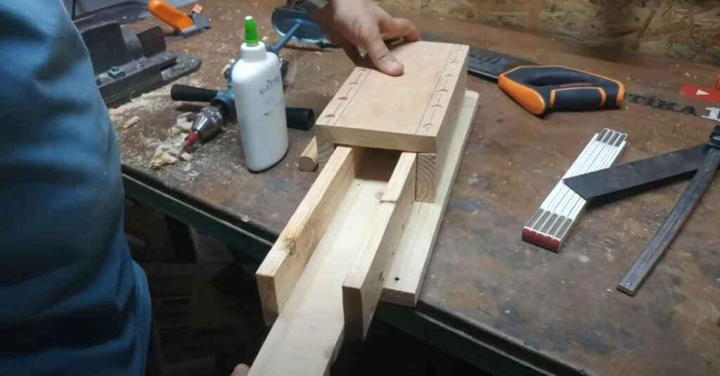 foto 1 14 – Как сделать простые слесарные тиски из дерева