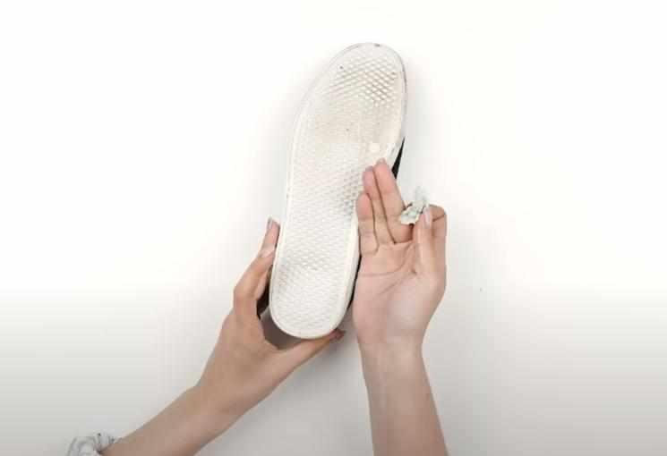 foto 5 1 – 4 простых способа как удалить жвачку с одежды и обуви
