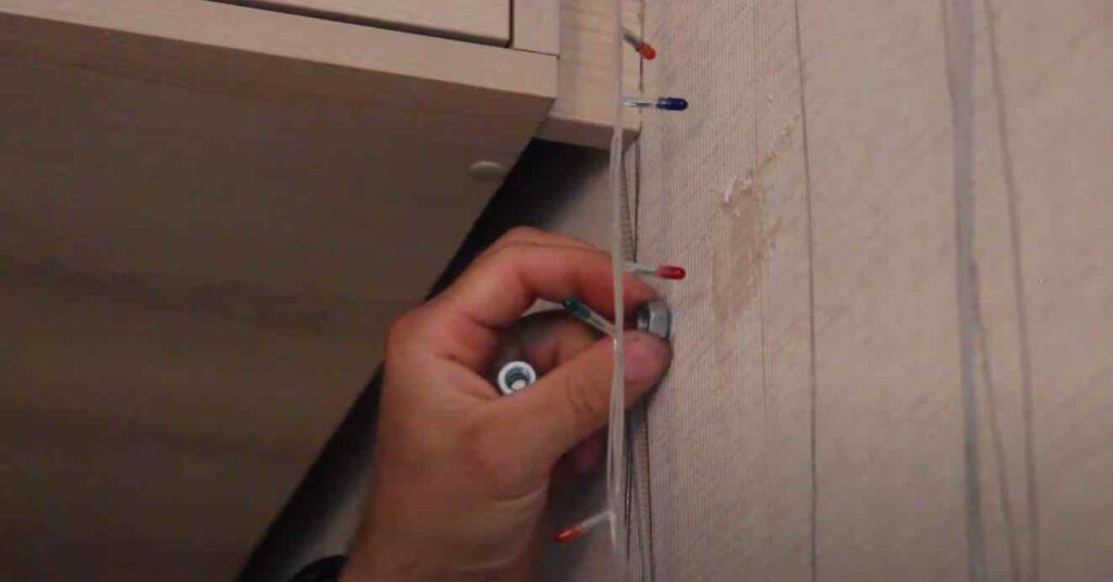 foto 5 11 – Как сделать дверной магнитный фиксатор своими руками