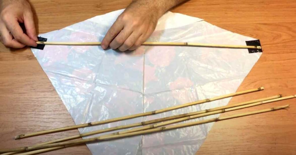 foto 7 2 – Как сделать воздушного змея из полиэтиленового пакета