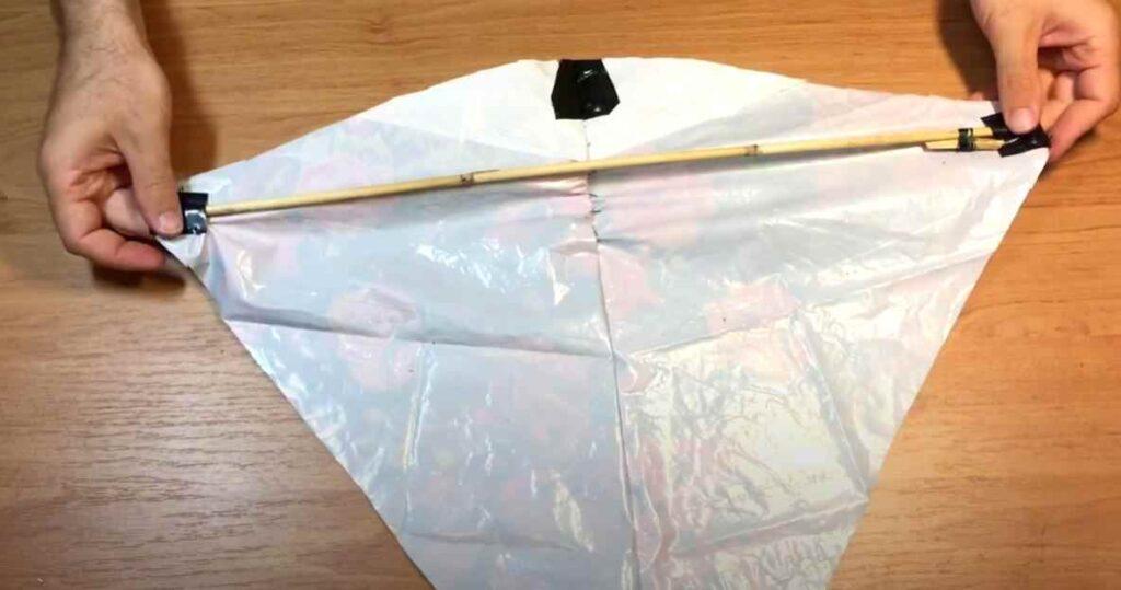 foto 9 1 – Как сделать воздушного змея из полиэтиленового пакета