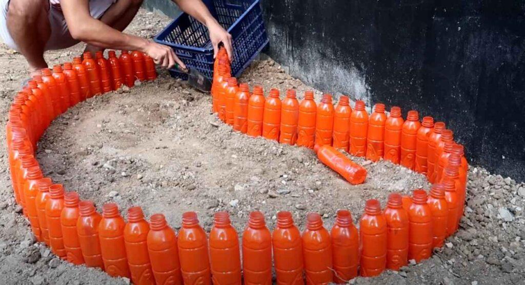 foto 4 – Цветочная клумба из пластиковых бутылок